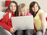 ילדים אינטרנט גולש גלישה מחשב היי-טק הייטק בלוגים עולם רשת חברתית ילדות / צלם: פוטוס טו גו